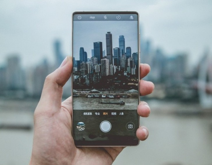 Zte Nubia Z18 Has The Coolest Solution For The Notch And It Doesnt
